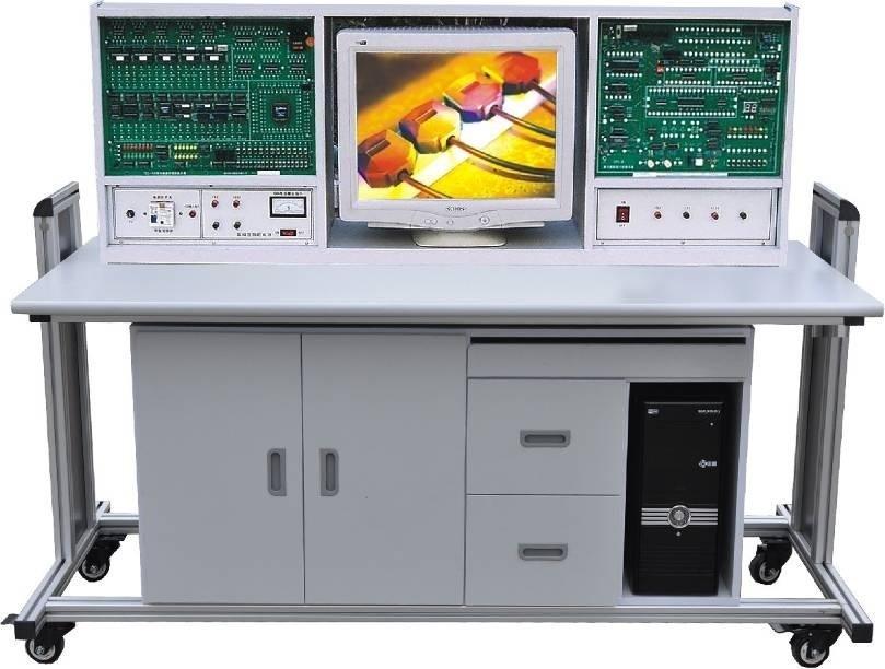 """实验电路的连接,采用了国家专利获奖产品""""自锁紧"""""""