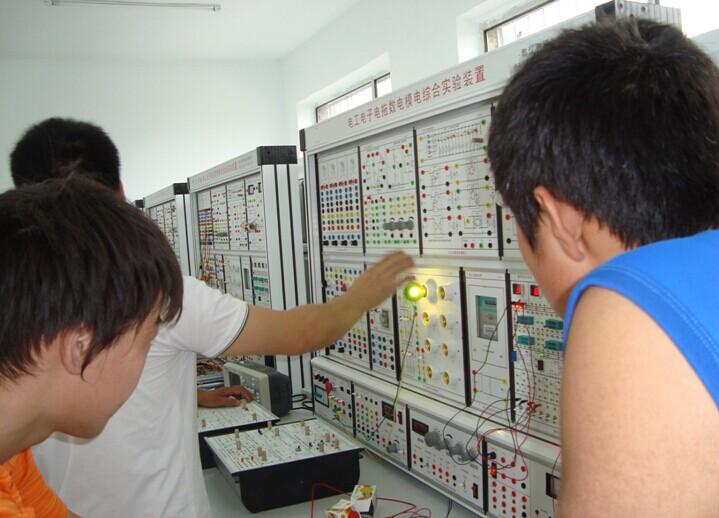 """实验内容包括""""电路分析""""""""电工基础""""""""电工学""""""""电子技术""""""""电子学""""""""模拟"""