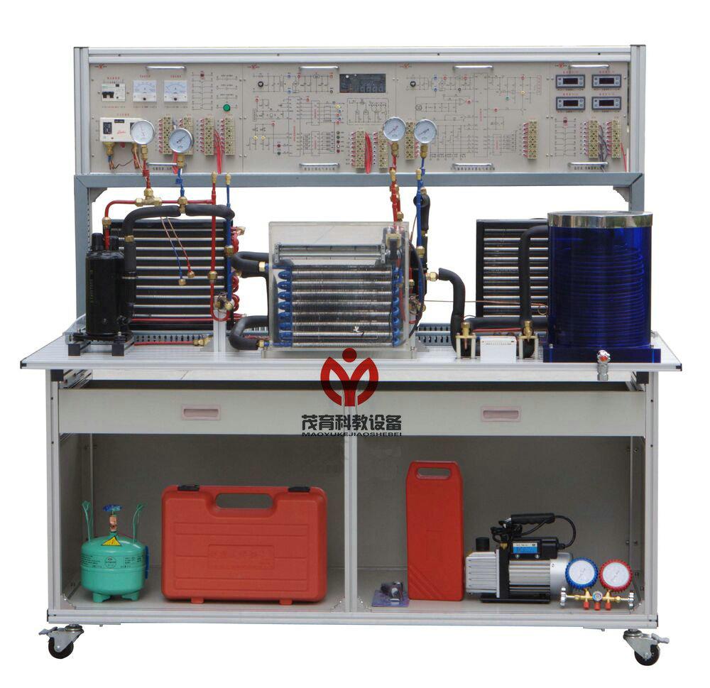 1、输入电源:单相三线 220V±10% 50Hz 2、工作环境:温度-10~40 相对湿度≤85%(25)海拔<4000m 3、装置容量:≤1.5kVA 4、安全保护:具有漏电压、漏电流保护,安全符合国家标准 二、现代制冷与空调系统实训考核装置结构与组成: 1、装置采用模块化设计,由导轨式铝合金安装平台、空调系统、电冰箱系统、电气控制系统等组成。 2、导轨式铝合金安装平台由标准规格的铝合金工业型材组成,作为学生操作训练的平台,上面安装有空调系统部件和冰箱系统部件。 3、空调